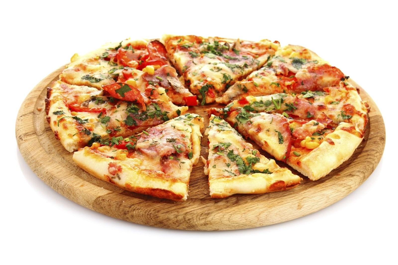 большая часть калорий содержится именно в тесте пиццы