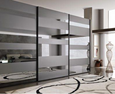 Шкаф-купе в небольшой квартире – оптимальное решение
