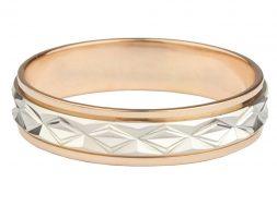 Лучший подарок для любимой – золотое кольцо